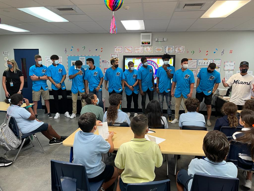 @Marlins hosted a fun-filled event for #HispanicHeritageMonth at our Hank Kline Club. Minor League players joined #BGCMIA youth members to learn about former Pittsburgh Pirates player Roberto Clemente. Thank you to the @Marlins for supporting #greatfutures!