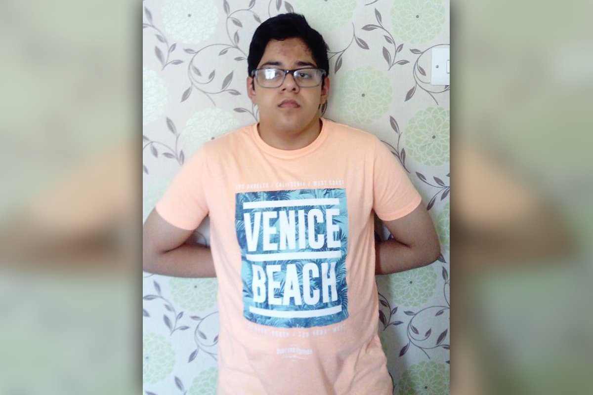 New photos of #missing #Derby teenager Junaid Hamayun have been released which show a number of distinctive items of clothing: bit.ly/3G2toPu