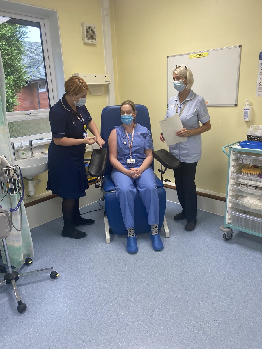 Flu fighting at Ilkeston Community Hospital @UHDBTrust @TeamSurgeryUHDB @UHDBWellbeing @JulieTuckwood @NatalieBarx