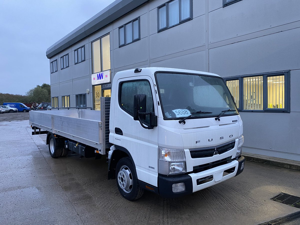 test Twitter Media - The first of 9 new conversions for JD UK Ltd based in West Yorks, which is taking a variety of builds on 3.5t & 7.5t chassis. Thank you to Sophie Olenczyn and to Chris Dyer at @belltruckandvan for the chassis.  #JDUKLTD #AlutechSystemsLtd #BellTruckandVan #MartinWilliamsHull https://t.co/5EhKQhuaN7