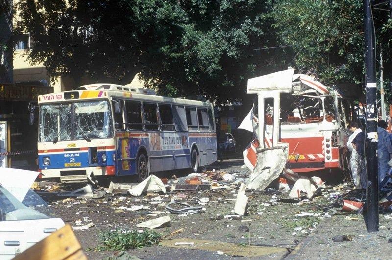 في مثل هذا اليوم من عام 1994 نفذ إرهابي تابع لحركة حماس تفجيرًا انتحاريًا في حافلة في تل أبيب أدى إلى…