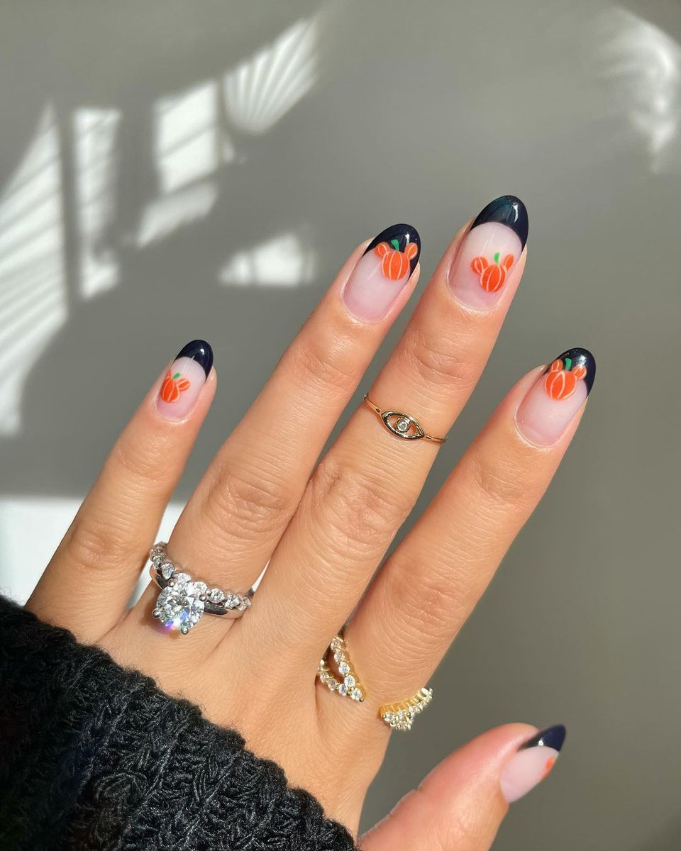 The perfect nails for this seaon 🍁 IG: amyytran #autumnnails