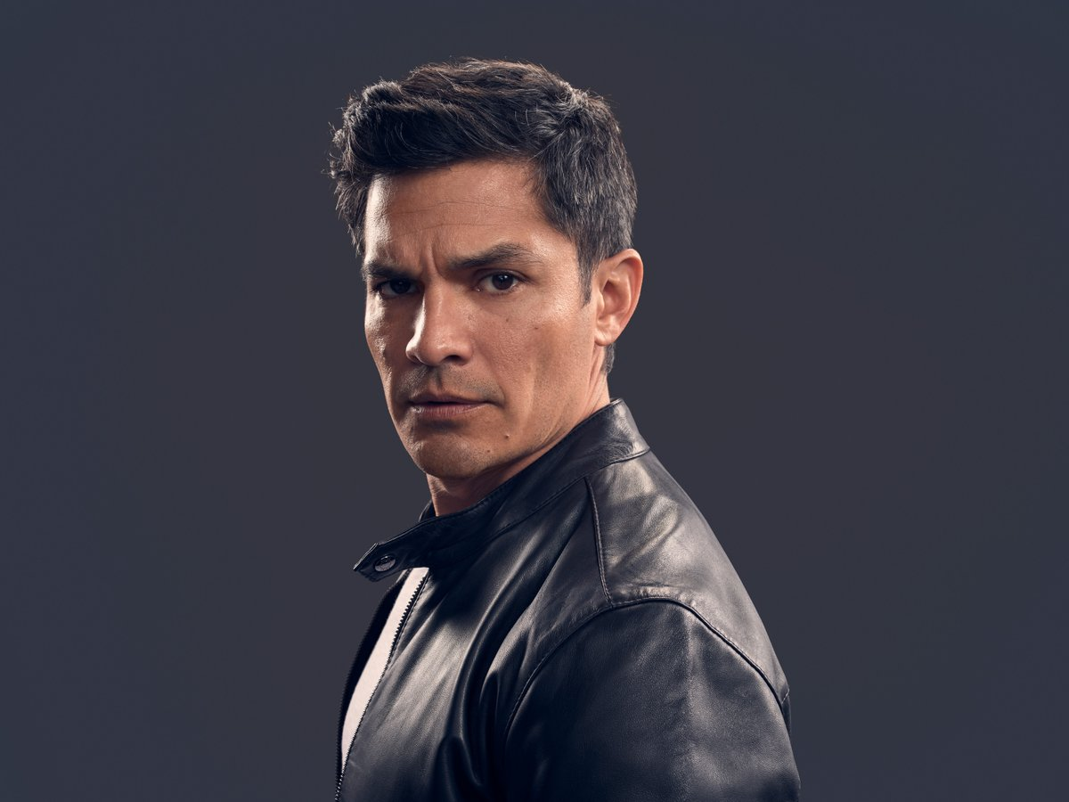.@iamnickgonzalez plays Levi Delgado: Gavin's stoic best friend and fellow Air Force Pilot who is recruited to fly the rescue mission to bring the sinkhole survivors back home. His mission grows more complicated, as does his complicated history with Eve and her family.