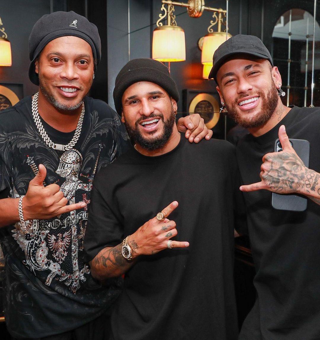 @neymarjrdepre's photo on Ronaldinho