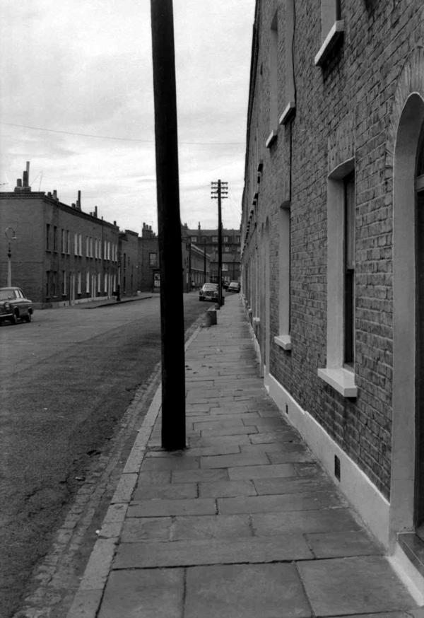 RT @boleynbadges: old east end of london photo of the day  Stepney Green https://t.co/V5QRaHKeFG