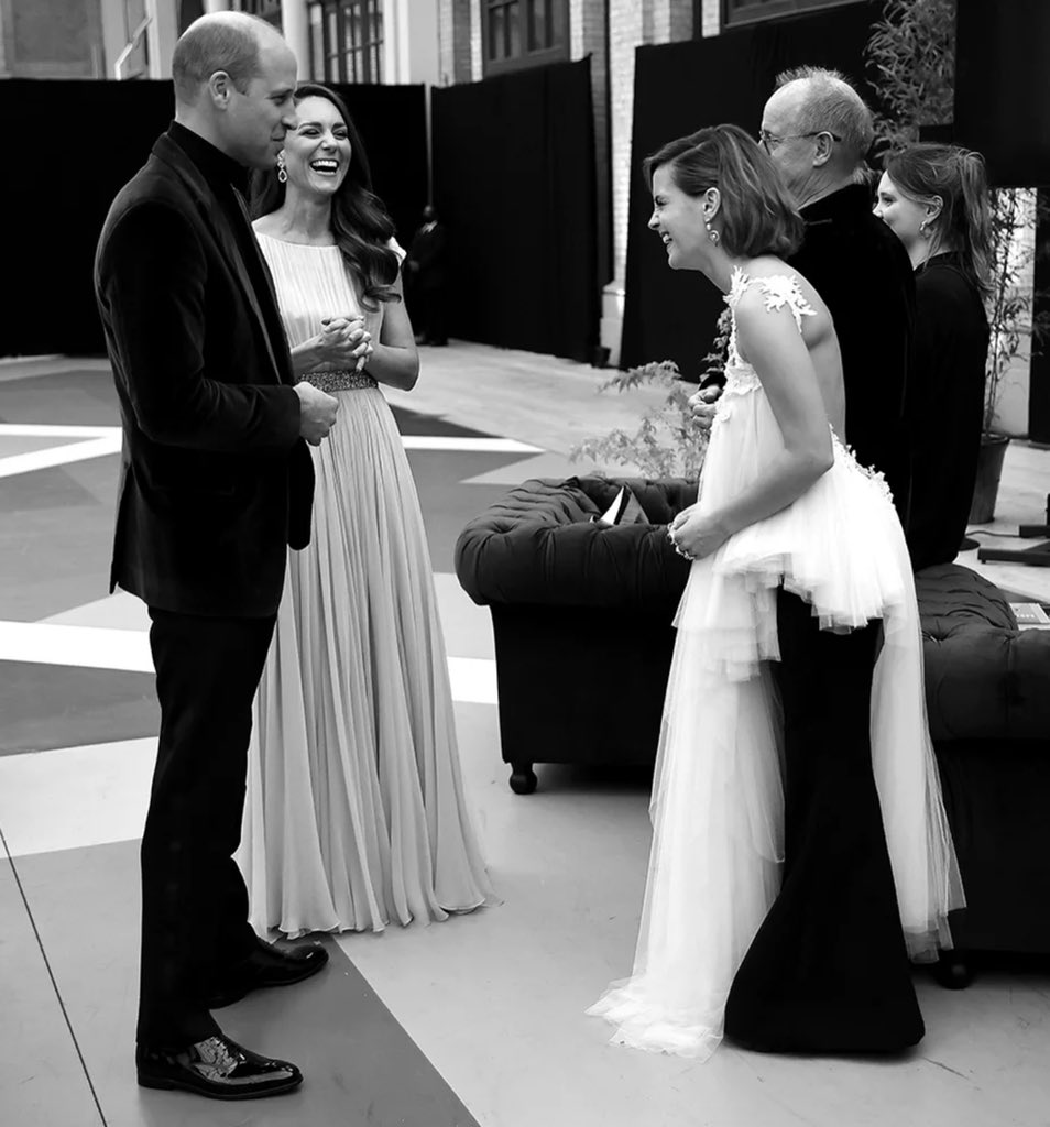 RT @KaylaAdams___: Prince William and Kate with Emma Watson 🥺❤️ https://t.co/OOZBZTiTwT