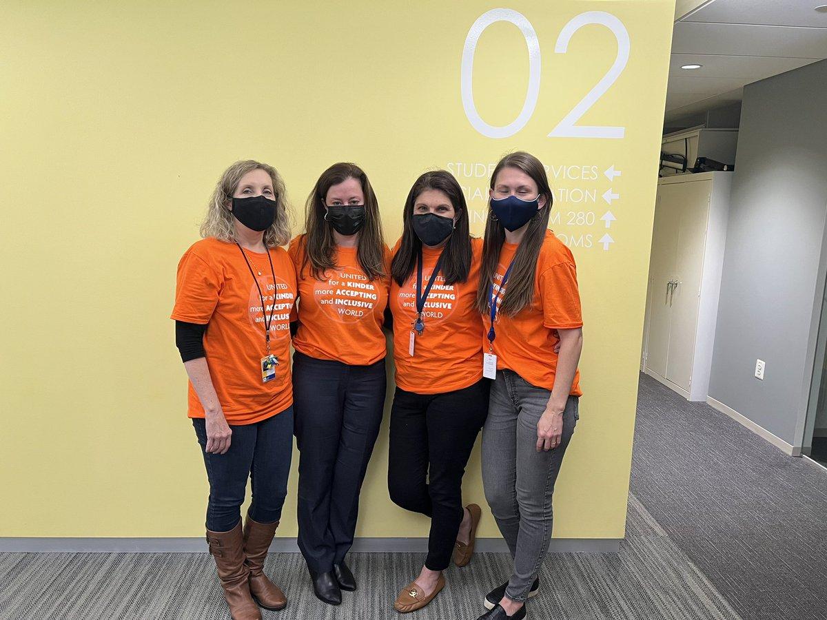 اليوم نرتدي اللون البرتقالي لنشر الوعي بالبلطجة #stopbullying # BullyingPreventionMonth2021 https://t.co/e2021BArhyV2021L