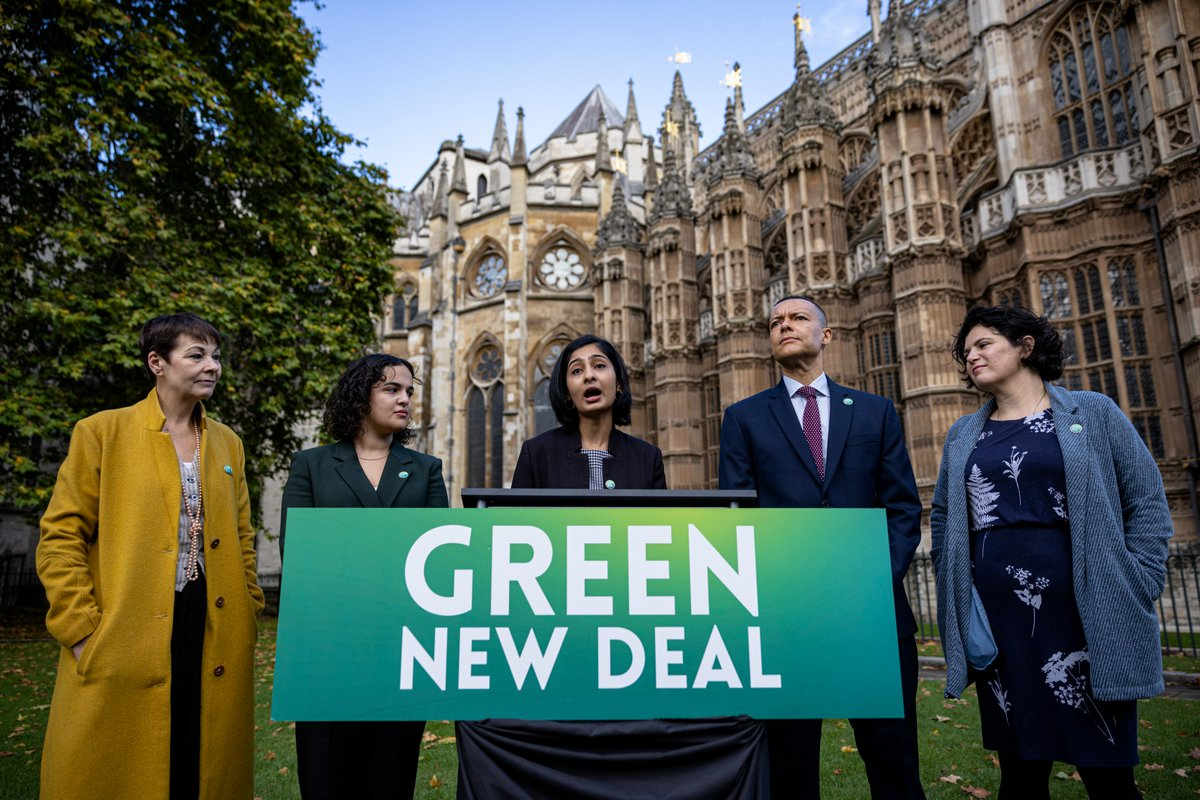 Today I joined colleagues to launch the Green New Deal Bill, a programme of economic transformation to avert climate catastrophe & tackle social injustice. It's a plan for rapid decarbonisation, creating millions of good jobs & taxing the super-rich. I am proud to co-sponsor it.