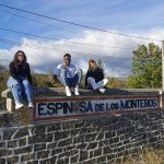 Image for the Tweet beginning: Tres jóvenes franceses están en