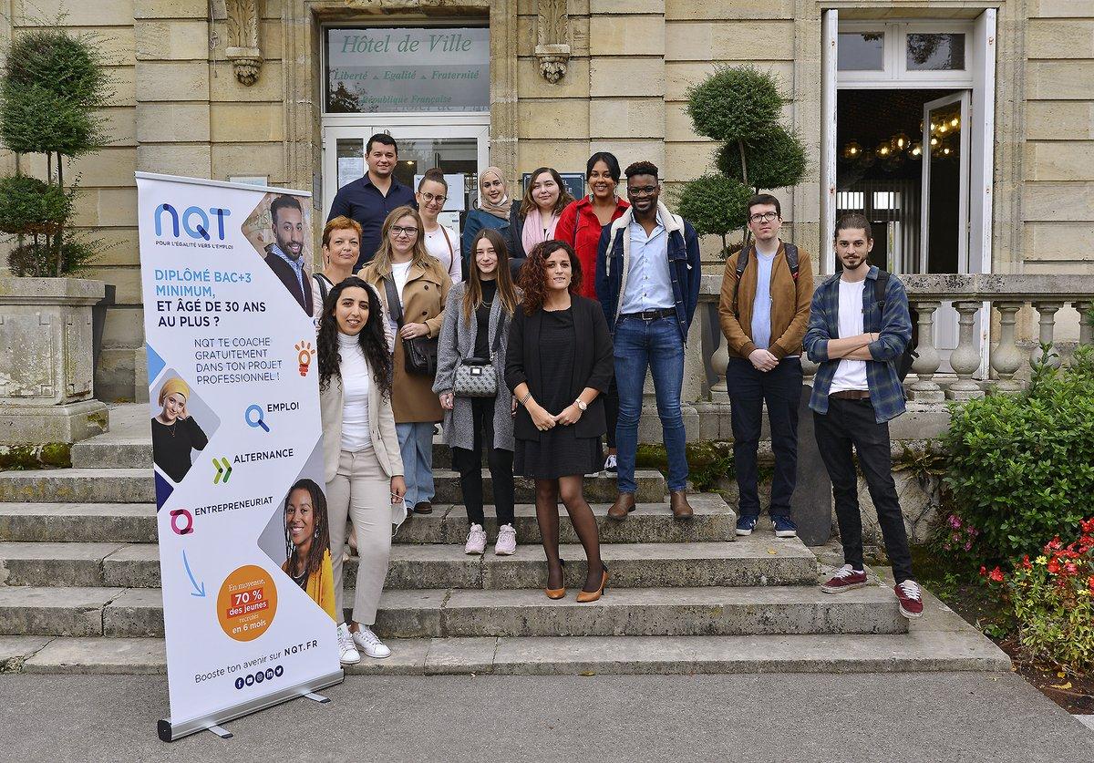 Signature ce midi d'une convention entre la Ville de #Lormont et l'association @NQTasso (Nos Quartiers ont du Talent). L'objectif étant d'accompagner les jeunes diplômés lormontais dans leurs recherches d' #emploi, d' #alternance et de #stage ! #jeunesse #Gironde #QPV https://t.co/mrlWAWIZL7