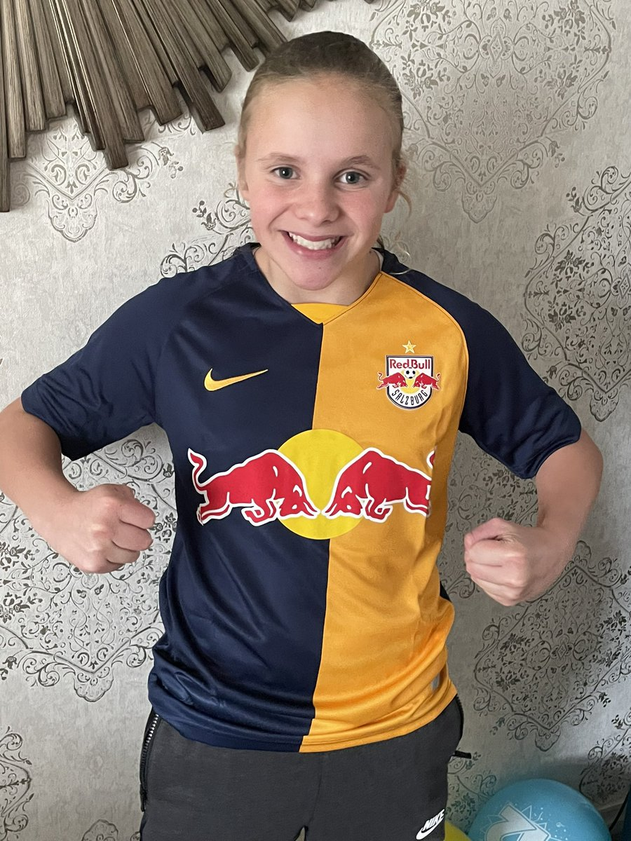 How do you keep your football mad daughter happy on her birthday? Easy…order a top from @secretshirtco and ask for a stand out shirt her mates won't have 🔥💣