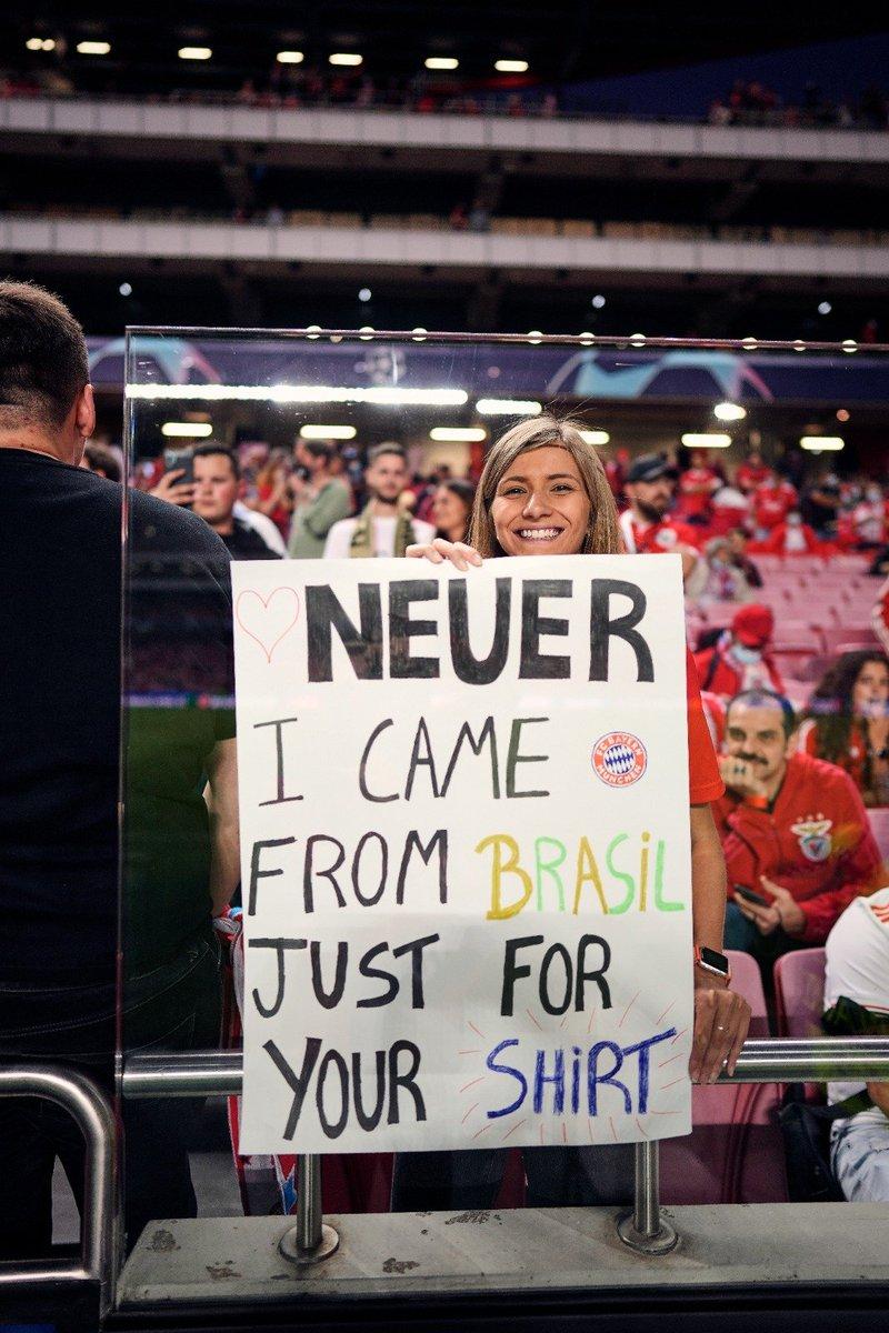 RT @FCBayernBR: 🇧🇷 ❤️ @Manuel_Neuer   #SomosFCBayern ♦️ #MiaSanMia https://t.co/euSn2FQXo6