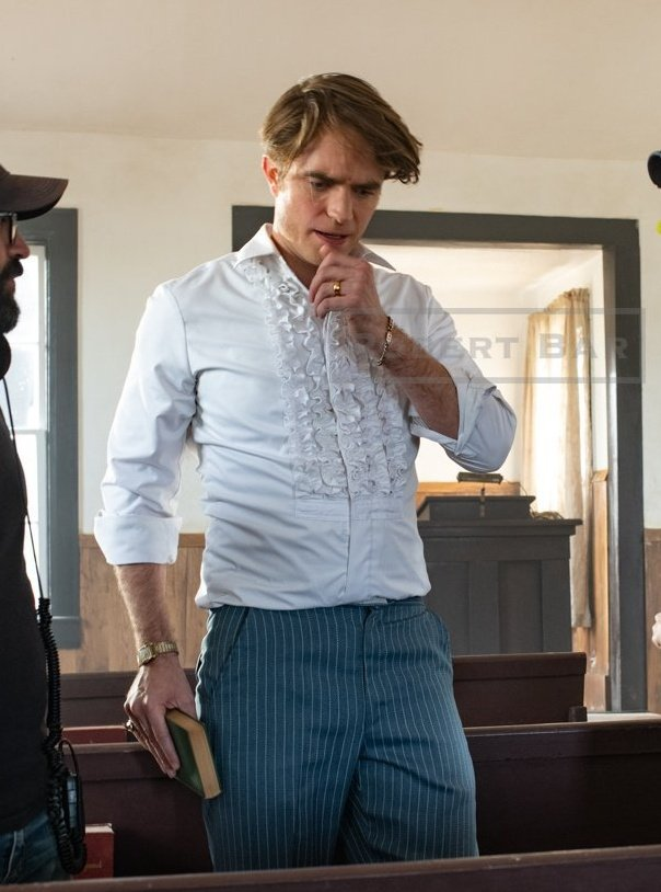 #BehindTheScenes Robert Pattinson as the creepy Preacher on the set of Devil All The Time.