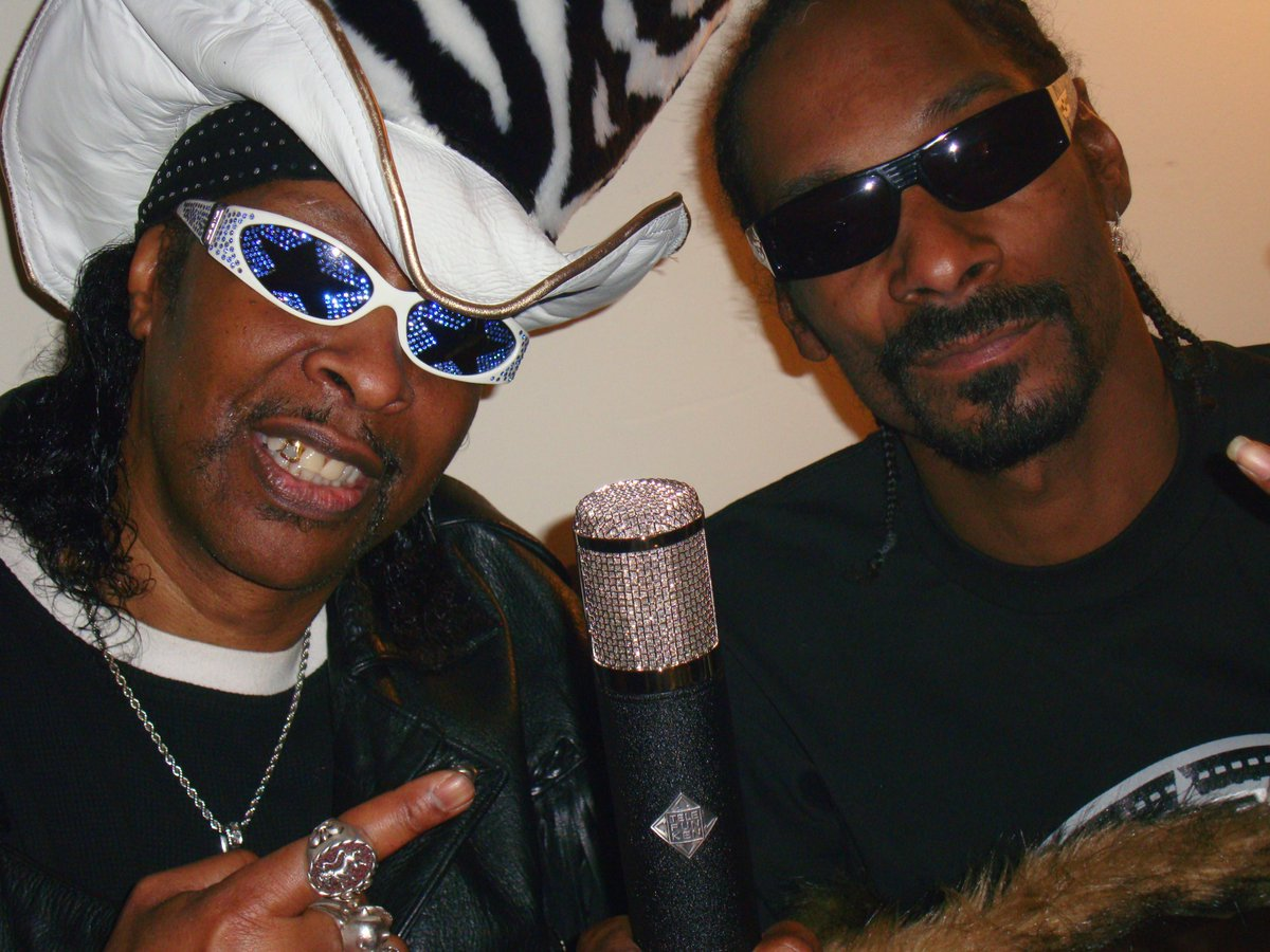 Happy Birthday to my original nephew, Mr. Calvin Broadus Jr. (born Oct 20, 1971), known as Snoop Dogg, an American rapper, songwriter, media personality, actor, and businessman.🎂🍨🎂 (Join me wishing him the Happiest of BD's! Bootsy baby!🤩 @SnoopDogg