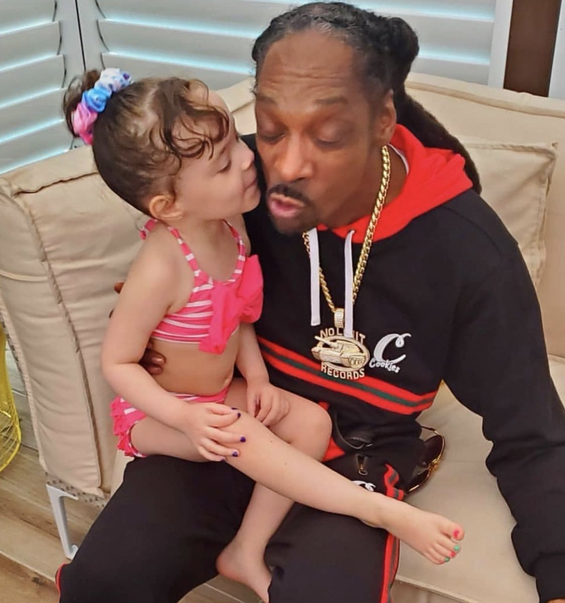 Replying to @FINALLEVEL: HappyBirthday to Chanel's Uncle @SnoopDogg  Love you Homie 👊🏽