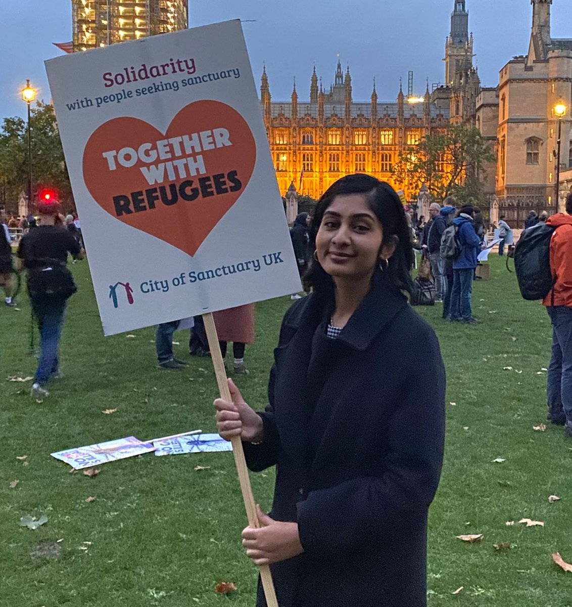 This evening, outside Parliament, I joined a rally to say: Refugees are welcome here ❤️