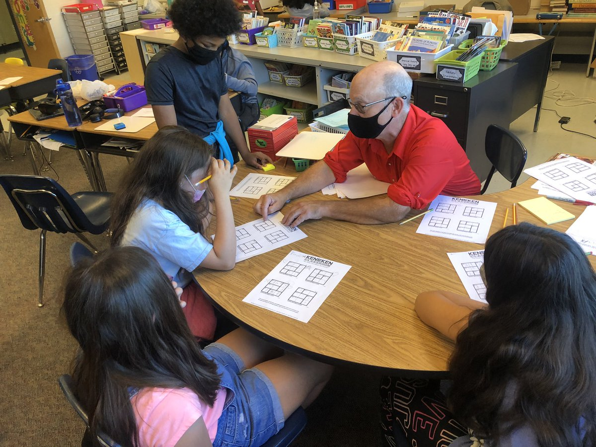 Mr. Clarke came in and did a lesson on KenKens with a few students <a target='_blank' href='http://search.twitter.com/search?q=hfbtweets'><a target='_blank' href='https://twitter.com/hashtag/hfbtweets?src=hash'>#hfbtweets</a></a> <a target='_blank' href='http://twitter.com/HFBThinks'>@HFBThinks</a> <a target='_blank' href='http://twitter.com/APSMath'>@APSMath</a> <a target='_blank' href='http://twitter.com/HFBMath'>@HFBMath</a> <a target='_blank' href='https://t.co/G9VkpwuLha'>https://t.co/G9VkpwuLha</a>