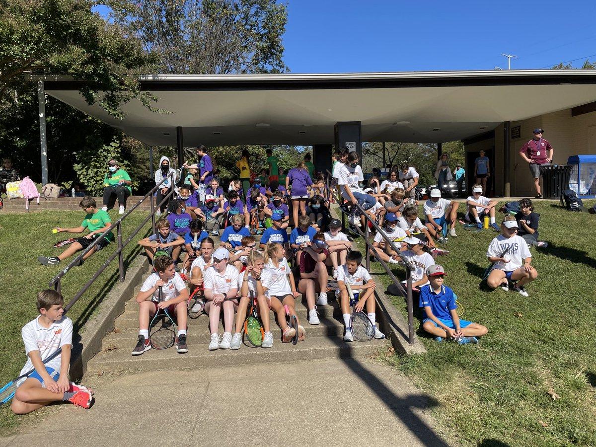 Toller Tag als MS Tennis 🎾 Championships!! Wunderbarer Wettbewerb & bessere Sportlichkeit! Danke ALLE!  @DHMS_Activities   @SwansonSport  APSGunston '> @APSGunston   @BoykinBryan  https://t.co/lpcf98QB5A