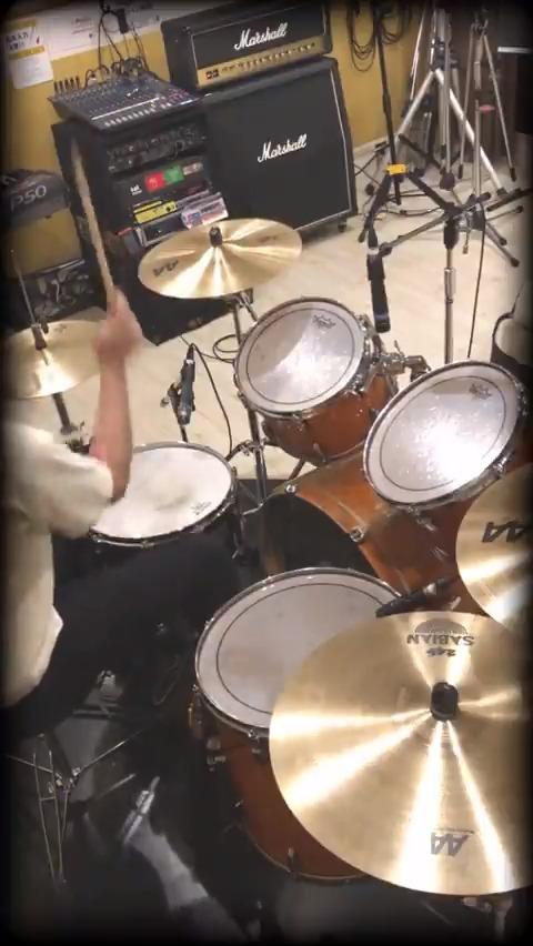【叩いてみた動画】「ブレイキングブレイジング    Mr.FanTastiC   」を演奏してみました‼️リリースから一晩、衝動のままに💪アニソンタイアップおめでとうございます㊗️作詞 #メガテラ・ゼロ 作曲 #ナナホシ管弦楽団編曲 #ミスファン#ガンダムブレイカーバトローグ