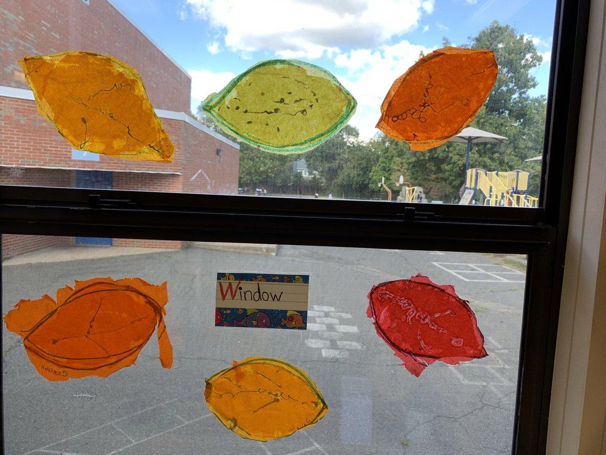 RT <a target='_blank' href='http://twitter.com/MsErraPreK'>@MsErraPreK</a>: Fall leaf sun catchers <a target='_blank' href='https://t.co/GiRyw7uqYH'>https://t.co/GiRyw7uqYH</a>