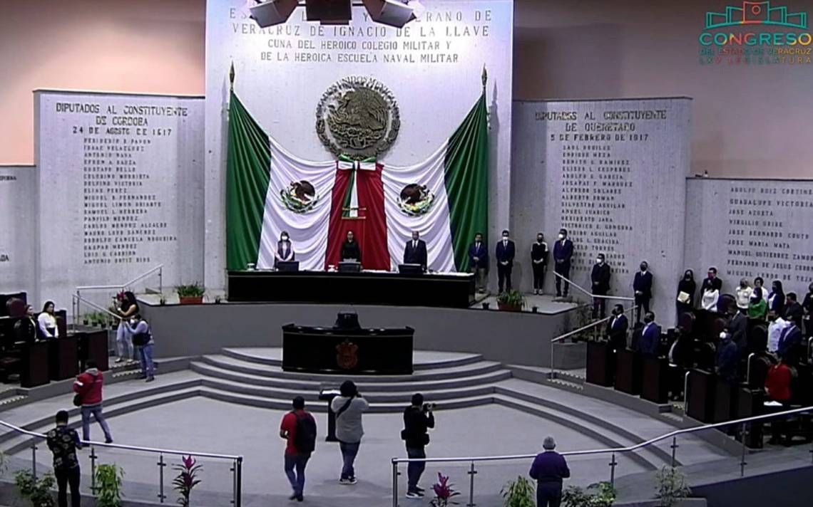 Congreso de #Veracruz aprueba revocación de mandato > https://t.co/qSoVOqS6Rm https://t.co/E9AaiRIHkt