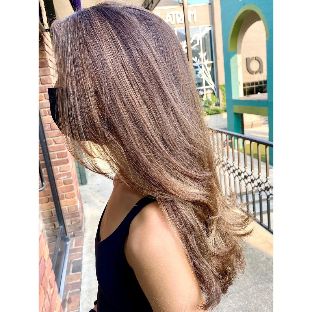 With hair this beautiful, she must go to @GouldSalons on The Square! 💇♀️ 📷: FFBeauty
