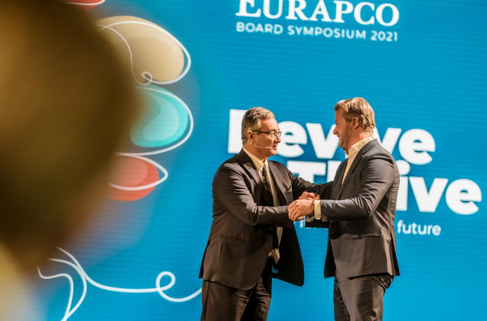 Oliver Schoeller übernimmt Vorsitz im Eurapco Vorstand https://t.co/UBiCU7P8CR https://t.co/uEDGzlt609
