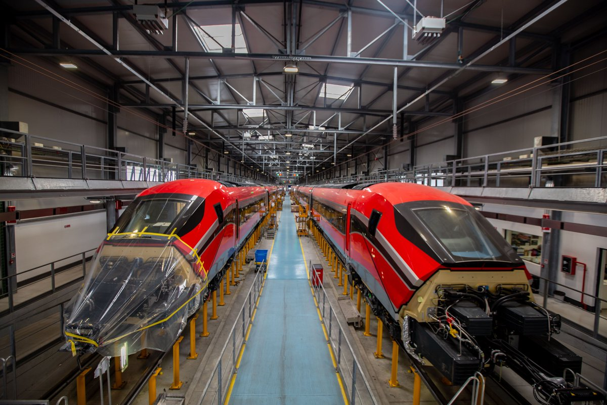 🇪🇸 We're happy to announce that we've been awarded a 30-year agreement for the maintenance of ILSA's new high-speed train fleet. Cementing our partnership, giving continuity to the manufacturing of the new fleet, whilst strengthening our presence in Spain https://t.co/0OHRcqMTSp https://t.co/VLVzZ7zdeY