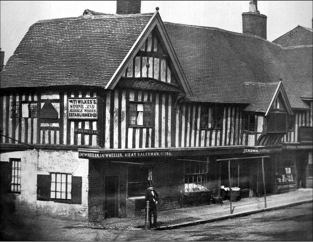#TBT Benjamin Tilley pictured in front of the pub way back in the 1800s #throwbackthursday 📷