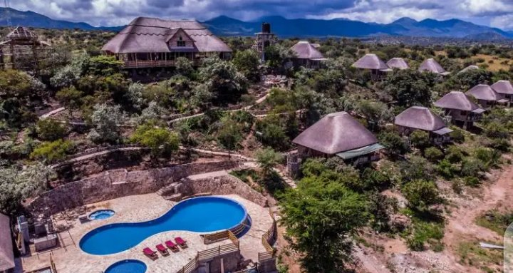 #FactsAboutUganda:- Adere safari lodge is located in Kidepo valley national park in the north eastern part of Uganda. It takes about 11 hours to reach there on road from Kampala. #UgandaFirst #VisitUganda #Tusimbudde 🇺🇬