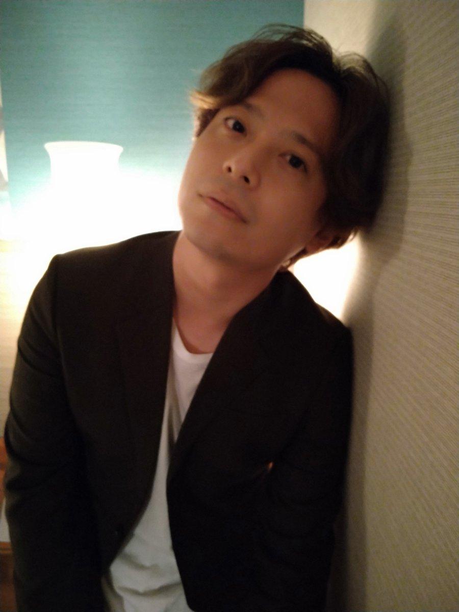 """中田裕二に取材しました。11月17日にリリースするニューアルバム『LITTLE CHANGES』のことを軸に、今の中田さんの心境を""""へん""""集長がじっくり聞いております。そして今回の撮りおろし写真のテーマは、ズバリ「アーバン」! その仕上がりは、12月号(11/5発売)をご覧ください。"""