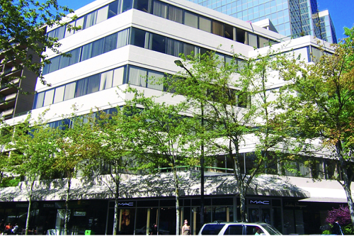 Done Deal: Vancouver 61,535-square-foot office building sells for $93 million https://t.co/SCEq2ddxE6 #DoneDeal #MixedUse #AvisonYoung https://t.co/MY01moHLIn.