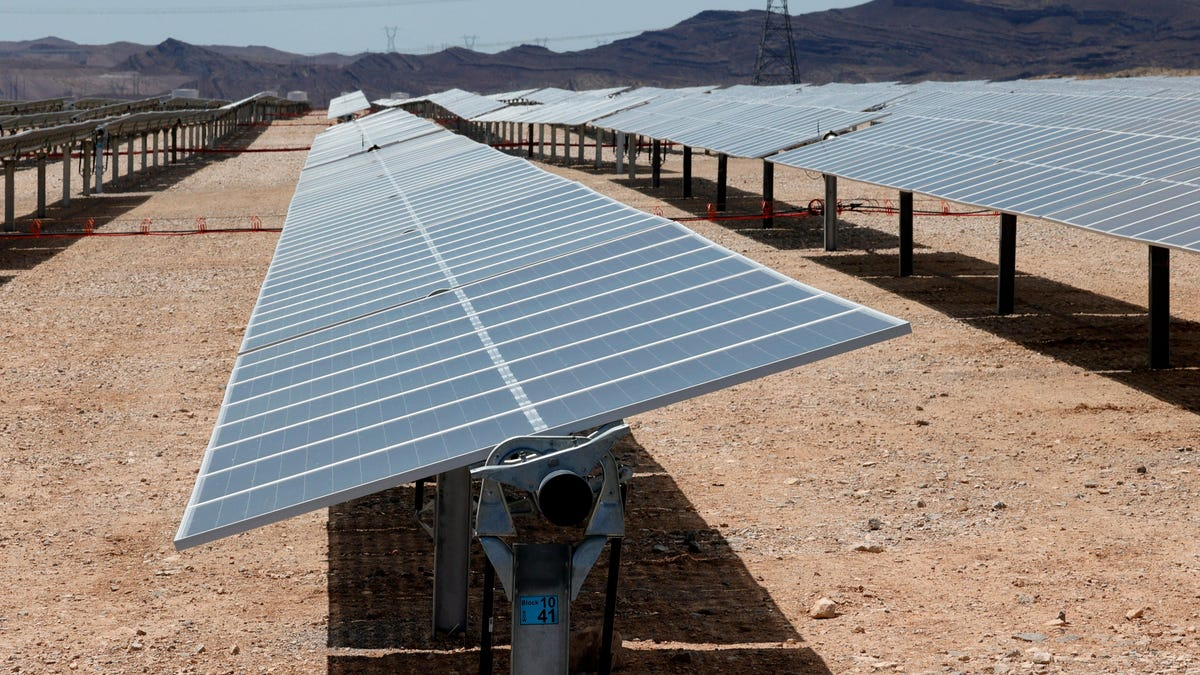 RT @Gizmodo: The World's First Solar-Powered Steel Mill Is Here
