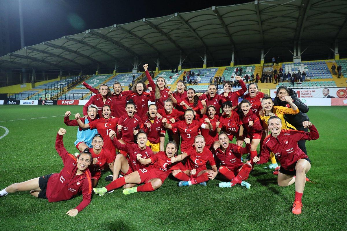 Dünya Kupası Avrupa Elemeleri H Grubu'nda mücadele eden Kadın A Milli Futbol Takımı, gruptaki ikinci maçında Bulgaristan'ı 1-0 mağlup etti.  Tebrikler güzel sonuç ama kendimizide kandırmayalım rakip Bulgaristan daha bunun Almanya sı gelecek ...