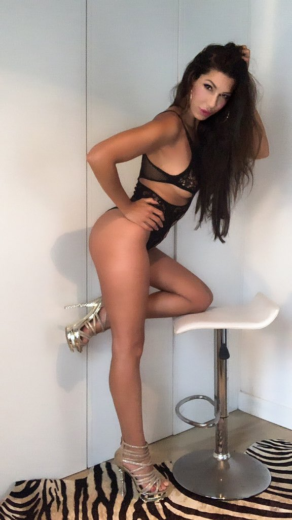 Subscribe today to my beautiful friend's Onlyfans for only $8 she has many videos on her profile!! 👉onlyfans.com/alexatomasx👈 Suscribete hoy al Onlyfans de mi hermosa amiga a solo $8 tiene muchos videos en su perfil!! 👉onlyfans.com/alexatomasx👈
