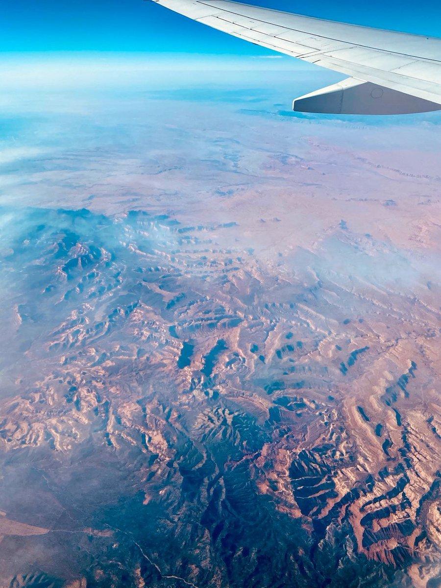 Utah is just as incredible from the air. #traveloften #travelgram #twittertravel #travelphotography #travelblog https://t.co/v2DpnM8hjm