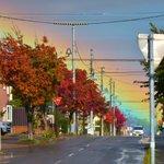 虹の根元ってほんとにあるんだ!珍しい、『虹の根元』を捉えた写真。