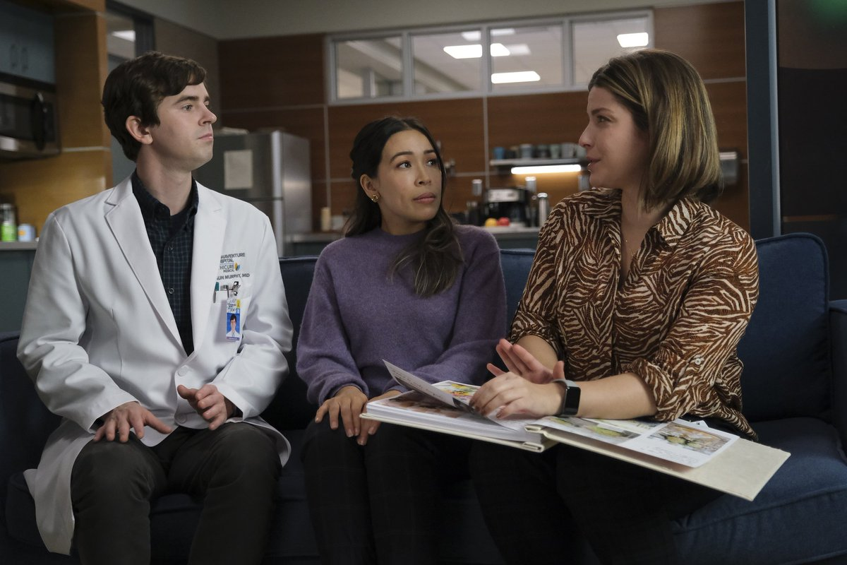 They are planning their wedding 😍😍😍😍😍😍😍😍😍  Promo pics 5x05 Crazytown   #Shea #TheGoodDoctor