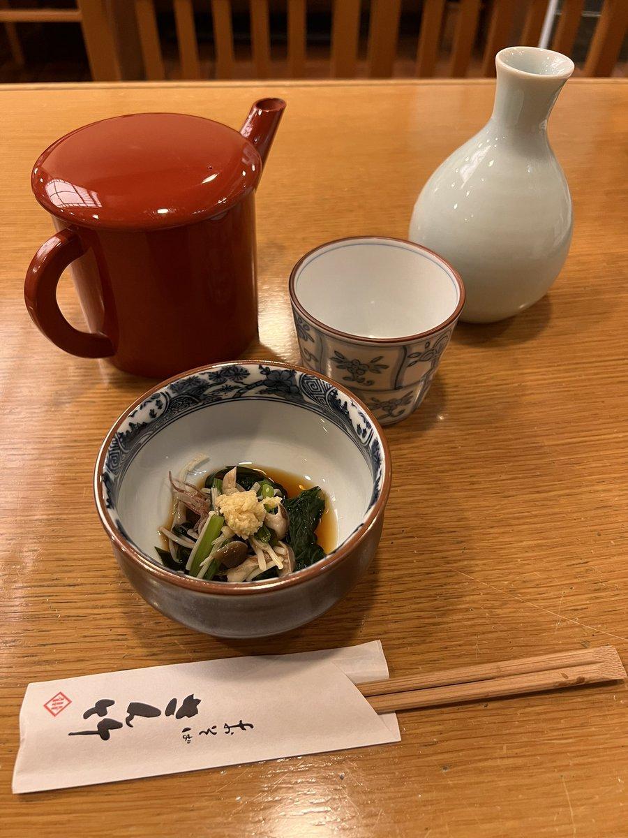 まずは蕎麦屋で蕎麦焼酎蕎麦湯割りを1杯🍶仙台出身の菅原店長からオススメされた✨さん竹✨サンにて