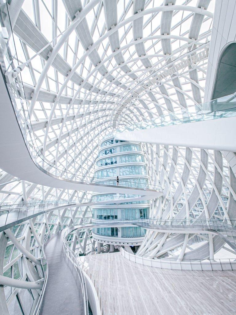北京のザハの建築物がめっちゃキレイ宝石みたい。