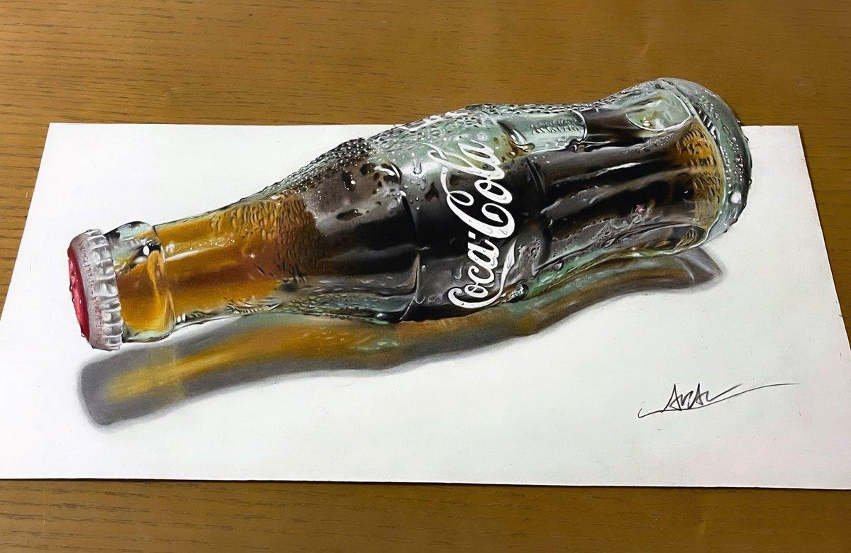 色鉛筆でコカ・コーラ描きました✏️沢山の方に見て欲しいです!!