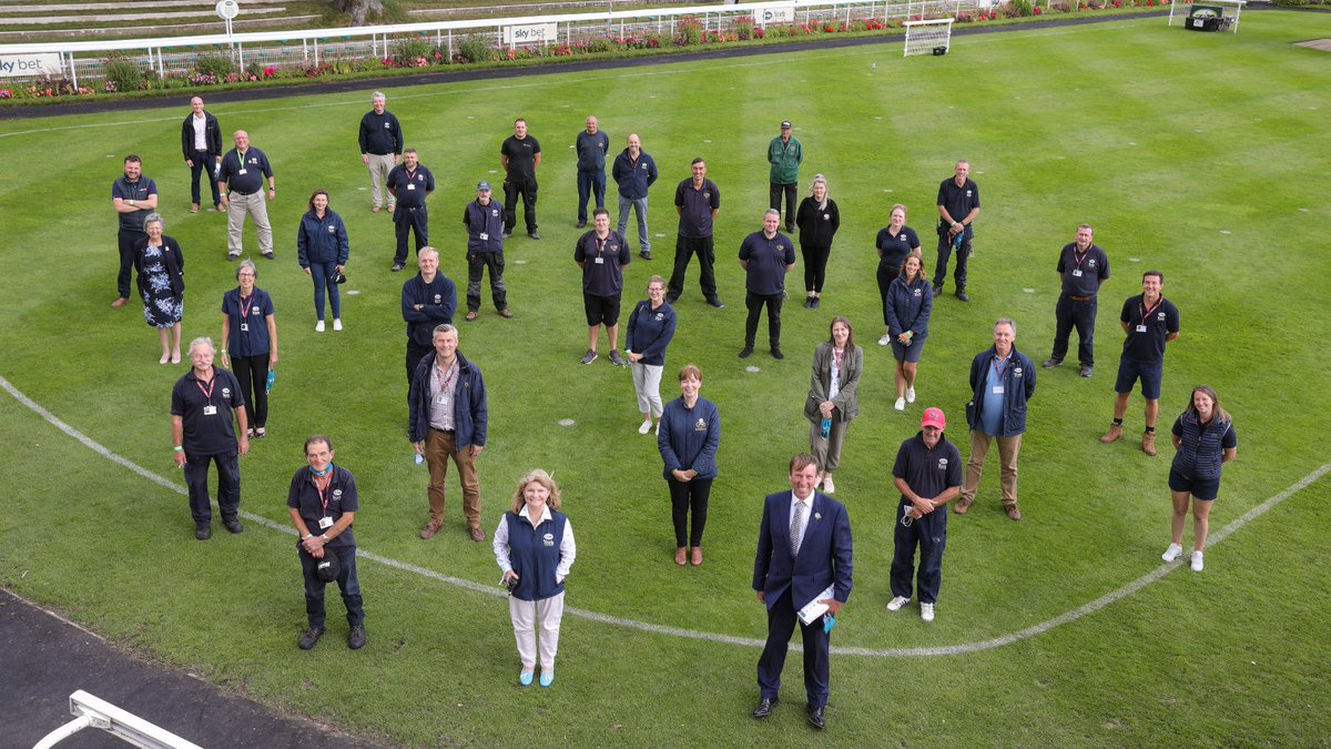 Thank you to all our staff at York Racecourse, we appreciate all of your hard work and dedication! Both behind closed doors and welcoming back crowds 🏇 #RacingStaffWeek #WeAreRacing #RSW2021