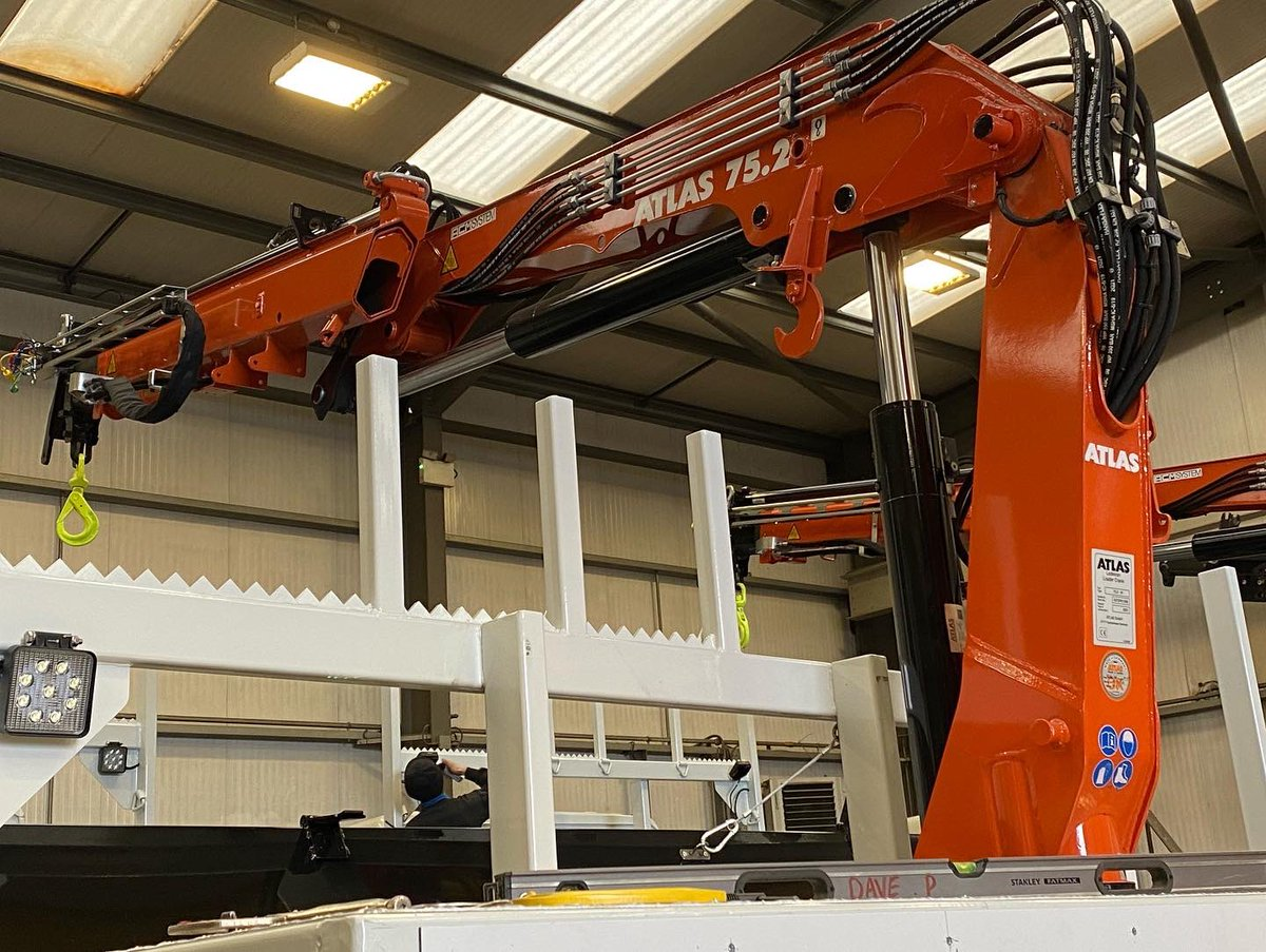 test Twitter Media - An impressive line of giants in Body Build! Good job we have a skilled technical team, these Pole Erection Unit will be keeping the guys busy for a few days #PoleErectionUnits #VehicleBuilds #MartinWilliamsHull https://t.co/aqdEAW4eu2