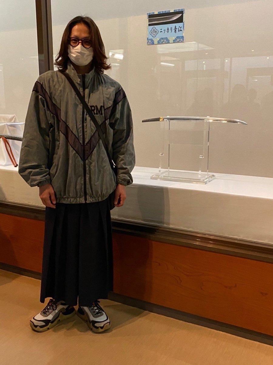 【にっかり青江単騎出陣】岡山~高知への旅の途中、にっかり青江単騎一座は「ニッカリ青江脇指」が展示される香川県丸亀市立資料館を訪れました。観光協会の方にも温かく迎えて頂き、ひと時の素敵な休息を過ごしました。※特別な許可を頂いて撮影をしております#ニッカリ青江#にっかり青江単騎出陣