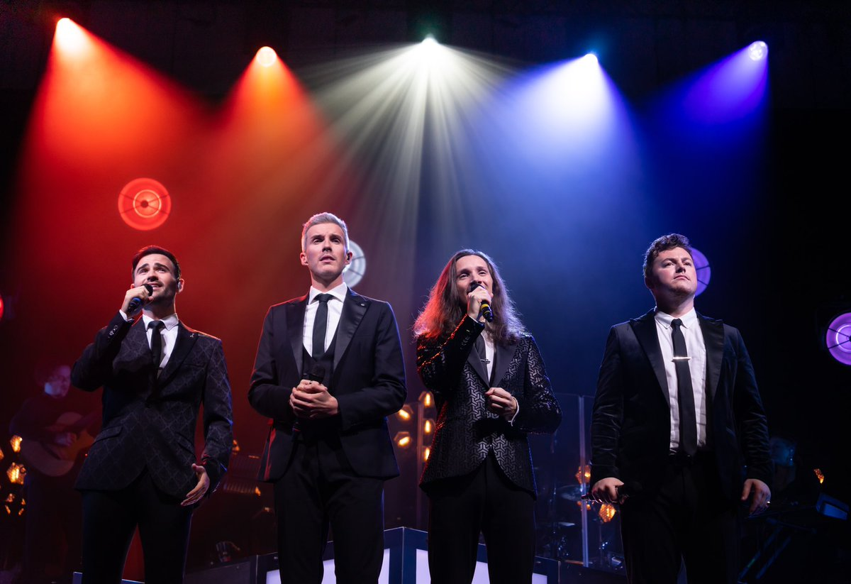 Show 10 in Torquay 🙌 we're half way through the tour now and we're having an absolute blast! It's so good to see and perform for you all again ❤️ Book tickets for the remaining tour dates via gigsandtours.com/tour/collabro 🎟 📸 Rhys Davies