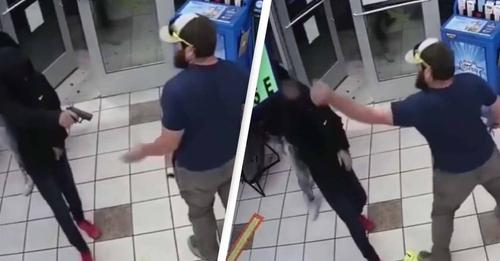 😱 - An attempted armed robbery at a gas station in Yuma, Arizona, was foiled when a former marine disarmed one of the suspects and forced two others to flee. Watch below: