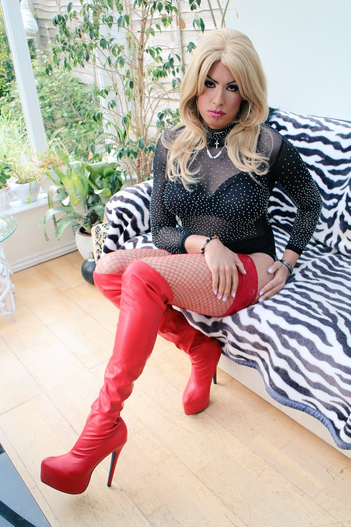 Damn Sourpuss 🐱🐱 #m2f #transisbeautiful #crossdresser #m2f