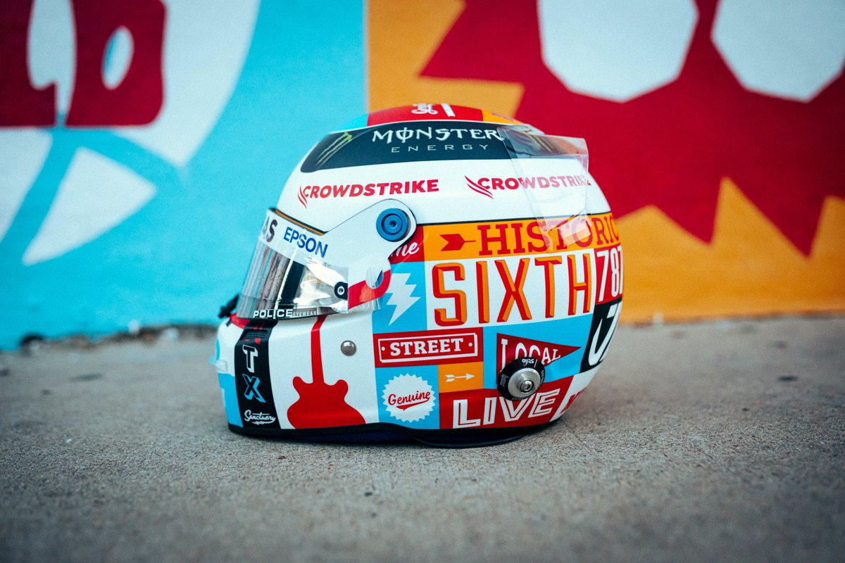 Special helmet for Austin 🇺🇸🏁  A tribute to the awesome city. The live music capital of the world and known by it's cool street art. Design by @tiffanycromwell 🎨  #VB77 #F1 #USGP @StiloOfficial  @MercedesAMGF1 @F1  📷 @sebkawka