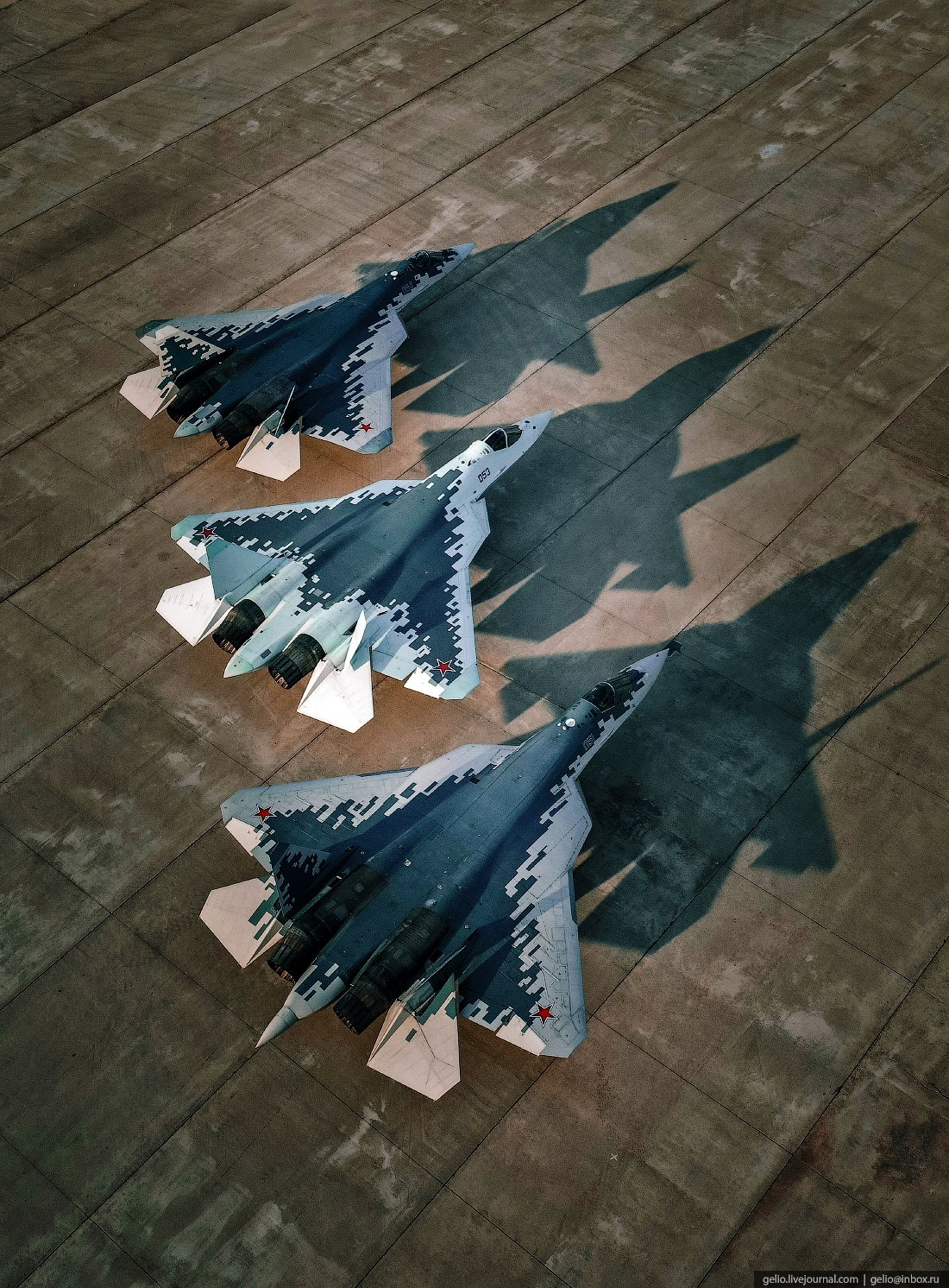 Su-57 Stealth Fighter: News #8 FCTbE87XsAI4Gq4?format=jpg&name=large
