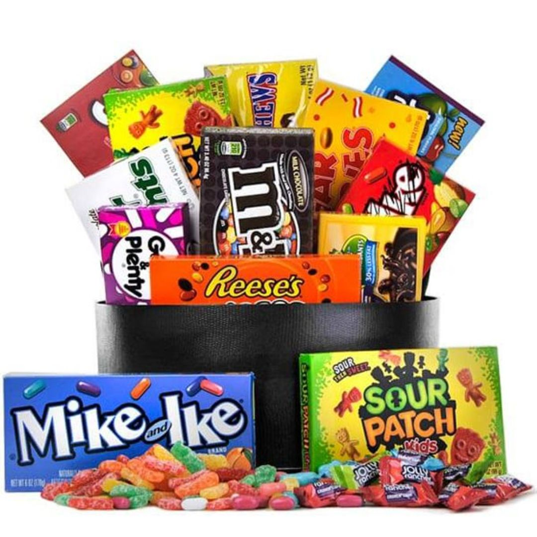 #FridayFun Yellow Jackets, have you gone candy shopping yet? What candy is on your must have list? #YJ4L